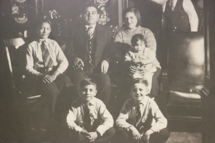 The Kreiter Boys (Circa 1927) -- (Back, left-right): Davie Kreiter, Samuel Kreiter, Pauline Kreiter, Nusie Kreiter, (Front, left-right): Boomie Kreiter, Harry Kreiter