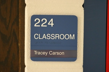 Classroom sign with Tactile & Braille, with one window unit